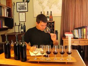 Wine-Dirk-Roos-Jason-Oliva